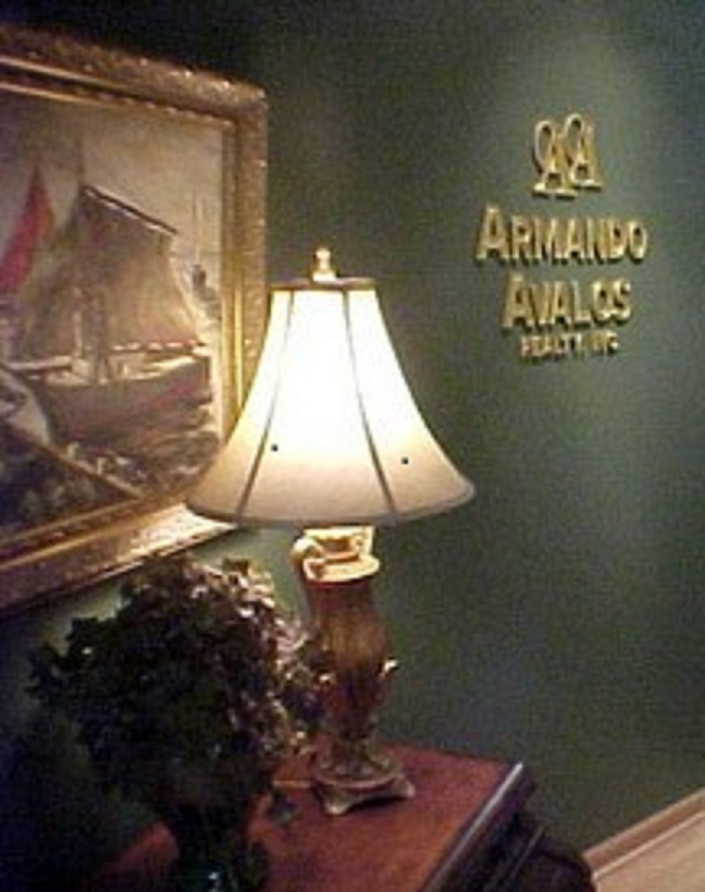 Armando Avalos Realty Office